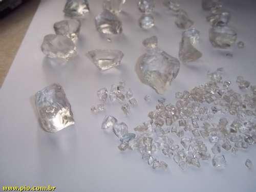 vendo diamantes brutos e lapidados!!!! com cert Kimberley, nota fiscal ,cert de origem, cert autenticidade e avaliaçao - Imagem2